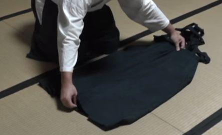 袴のたたみ方