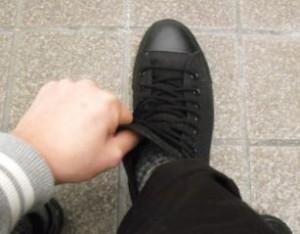伸びる靴ひも