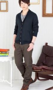 背の低い男子大学生に似合うカーディガンコーデ