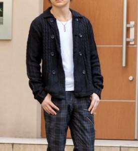 2「回目の男の服装