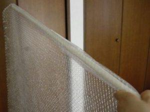 プチプチとつっかえ棒で窓断熱
