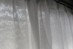 遮光ネットとプチプチで窓の西日対策