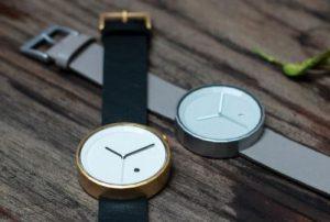 シンプルな腕時計chiandchi
