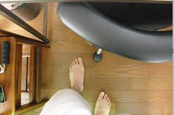 スタンディングデスクで足が痛い