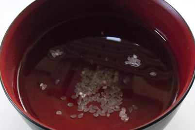 米が水に浮く