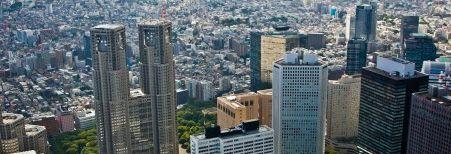 東京の空は狭い