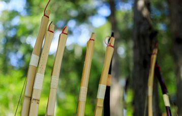 竹弓の弦を張りっぱなしにする