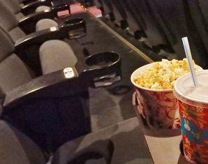 映画館にバターを持ち込む