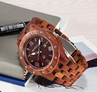 木製腕時計と変色