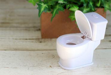 トイレの壁紙の黄ばみをカビキラーで掃除すると臭いが残る