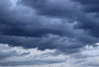 ガムテープで猫よけするには雨と風が障害になる