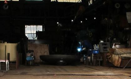 工場などでは長袖タイプの空調服の方が半袖より涼しい