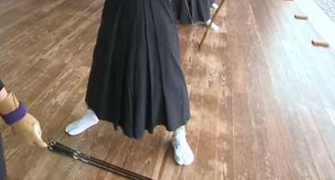 弓道の足踏みを練習しよう